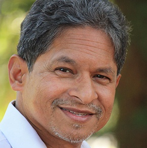 Dr. Raja Guha Thakurta