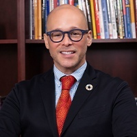 Dr. Angel Pérez